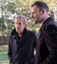 Rhys Ifans (L) and Jonny Lee Miller (R) in Elementary. Image © CBS