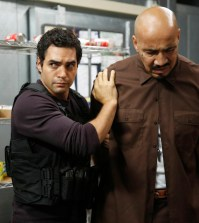Ryan (Ramon Rodriguez, L) apprehends a suspect. Co. Cr: Greg Gayne/FOX