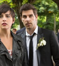 Pictured: (l-r) Jacqueline Toboni as Trubel, David Giuntoli as Nick Burkhardt, Bitsie Tulloch as Juliette Silverton -- (Photo by: Scott Green/NBC)