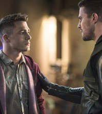 Pictured (L-R): Colton Haynes as Roy Harper and Stephen Amell as Oliver Queen -- Photo: Ed Araquel/The CW