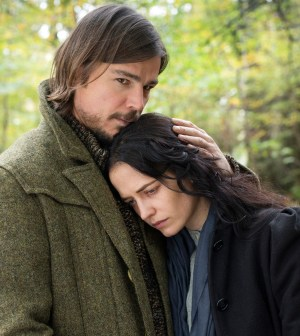 Pictured: Josh Hartnett and Eva Green in Penny Dreadful. Image © Showtime