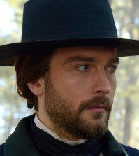 "SLEEPY HOLLOW: Ichabod (Tom Mison) in the ""Tempus Fugit"" Season Finale episode of SLEEPY HOLLOW. Co. CR: Brownie Harris/FOX"