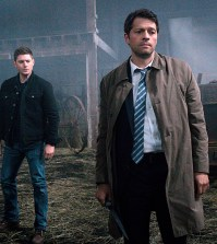 Pictured (L-R): Jensen Ackles as Dean and Misha Collins as Castiel -- Photo: Liane Hentscher/The CW
