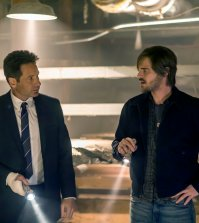 "AQUARIUS -- ""I'm So Tired"" Episode 201 -- Pictured: (l-r) David Duchovny as Sam Hodiak, Grey Damon as Brian Shafe -- (Photo by: Ron Batzdorff/NBC)"