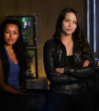 Pictured: (l-r) Melanie Liburd as Nyx, Melissa O'Neil as Two -- (Photo by: Russ Martin/Prodigy Pictures/Syfy)