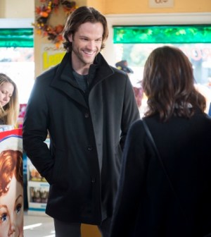 GILMORE GIRLS | (Left to Right) Jared Padalecki and Alexis Bledel. Photo credit Neil Jacobs/Netflix