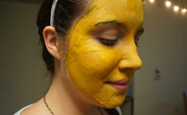 Homemade Turmeric Face Mask