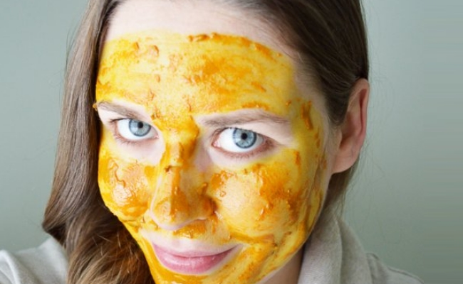 Turmeric With Sandalwood Powder Mask
