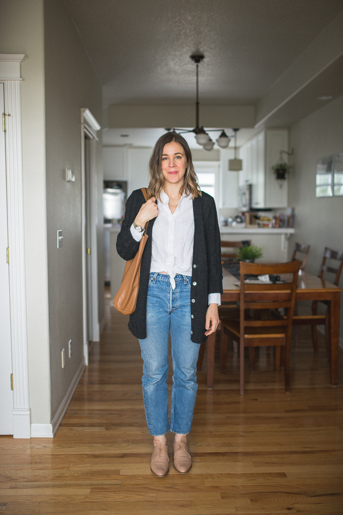 Vintage Levi's, Everlane Oxfords Blush, Cuyana Tall Tote, Everlane Linen