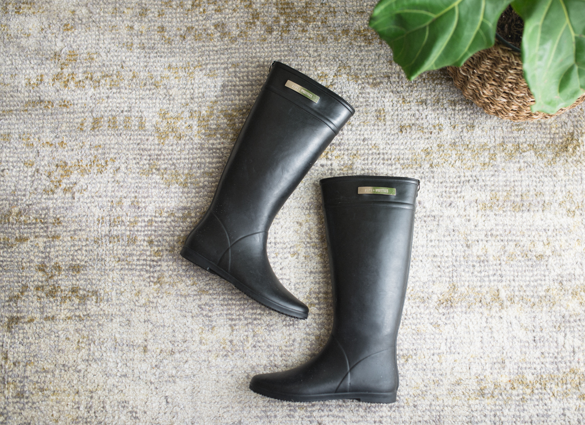REVIEW: Alice + Whittles Minimal, Sustainable Rain Boots