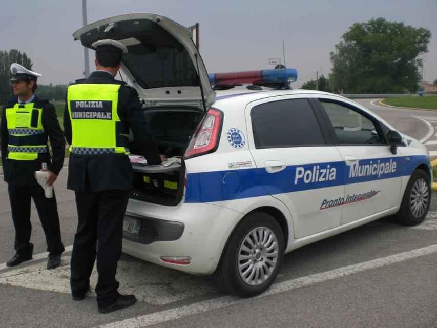 Crotone: Pedone travolto da un auto muore
