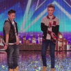 Dupla de garotos compõem RAP anti-bullying e dão show no Britain's Got Talent