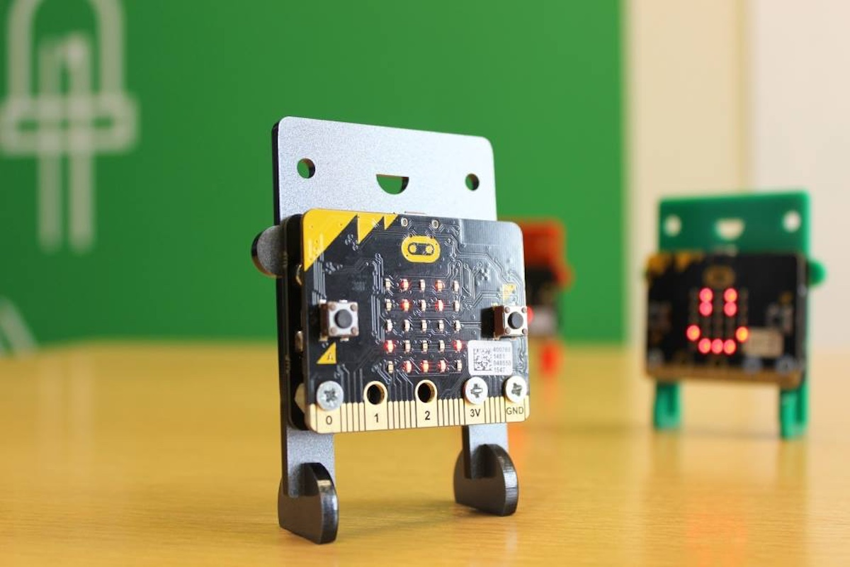 BBC micro:bit computers now available to pre-order from Kitronik