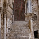 Tenth Station: Chapel of the Franks at top of steps, now closed. (© Deror Avi)