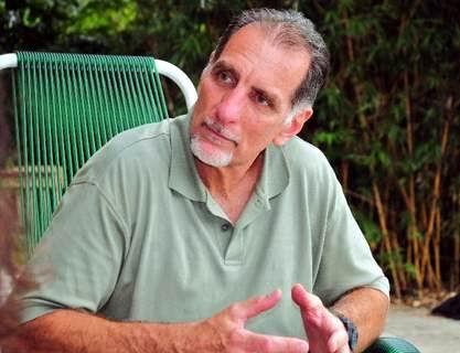 El antiterrorista cubano René González, en libertad condicionada por los EEUU