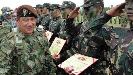 General Juan Pablo Rodríguez Barragán. En la foto clausurando un curso de Entrenamiento Antiterrorista Conjunto de las Fuerzas Especiales de Colombia y la República Popular China