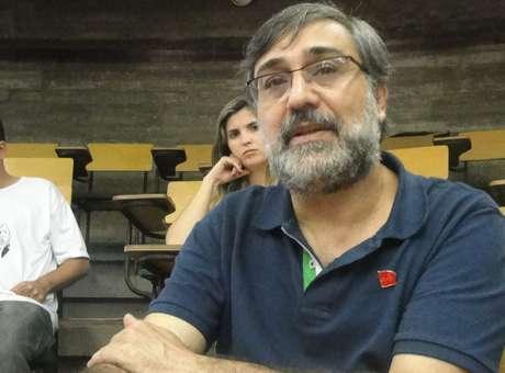 Entrevista con Mauro Iasi, candidato presidencial del