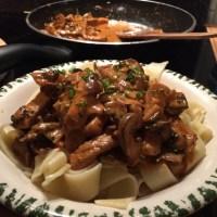 Abendbrot: Cremiges Schweinegeschnetzeltes #hellofresh #foodporn - via Instagram