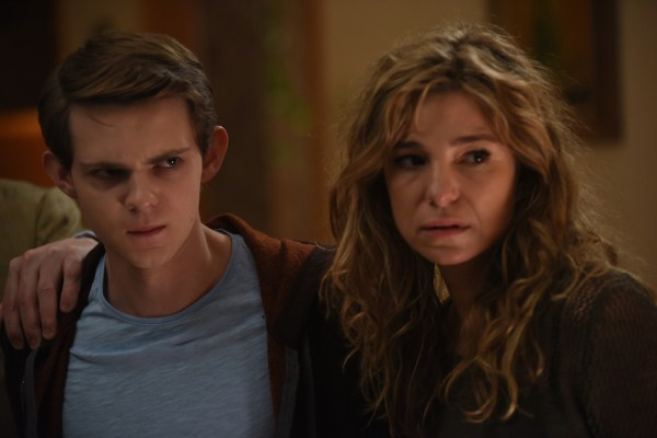 """HEROES REBORN -- """"June 13th - Part Two"""" Episode 108 -- Pictured: (l-r) Robbie Kay as Tommy, Krista Bridges as Anne Clark -- (Photo by: John Medland/NBC)"""