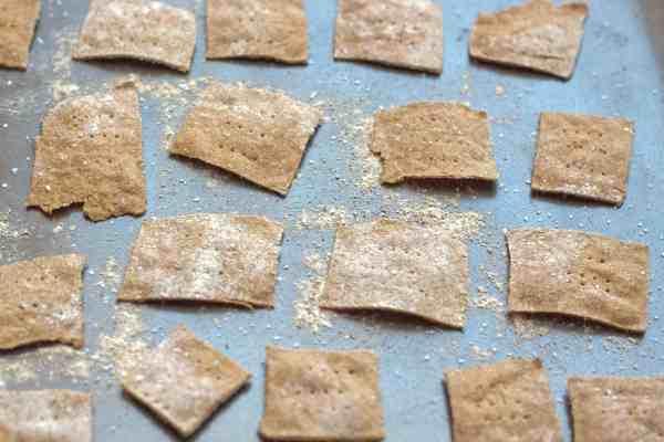 Spelt crackers from scratch!