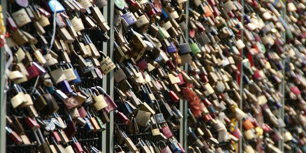 blog voyage australie whv padlock love amour couple cadenas pont cologne
