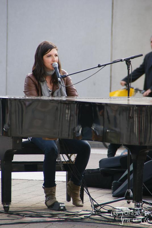 blog pvt canada voyage canada montreal voyage tour du monde fete artiste chloe lacasse singer chanteuse piano
