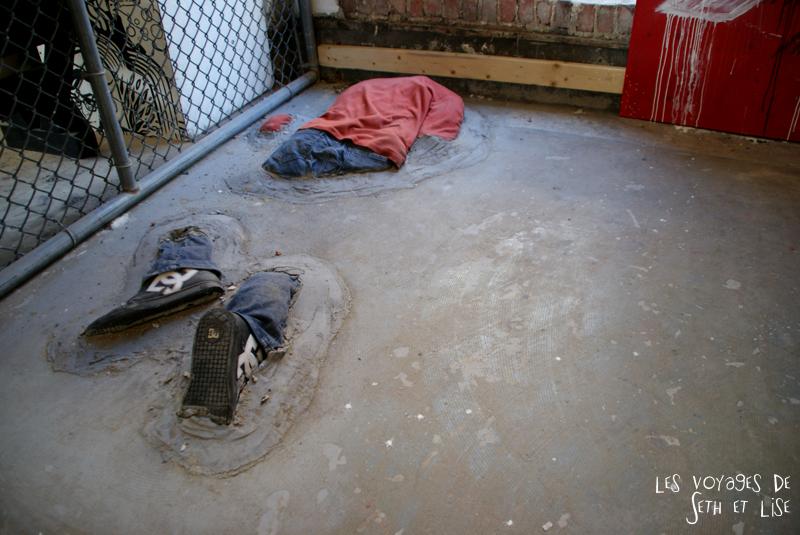 blog pvt canada montreal voyage espace frais peint exposition street art homme beton enfonce illusion