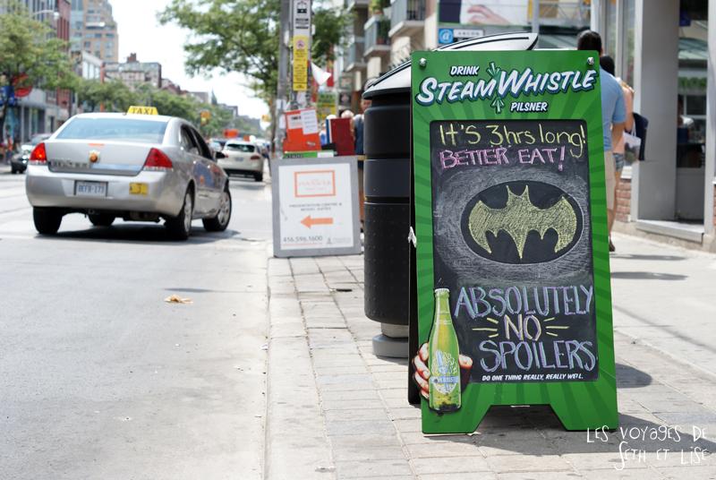 blog pvt canada toronto couple voyage tour du monde travel whv ontario street insolite batman humour biere