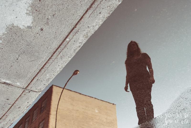 blog voyage canada montreal pvt couple tour monde photo rain pluie girl silhouette reflet