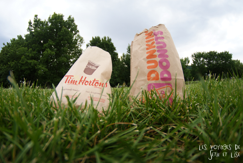 blog canada montreal voyage pvt whv bouffe duel donut tim hortons dunkin donuts