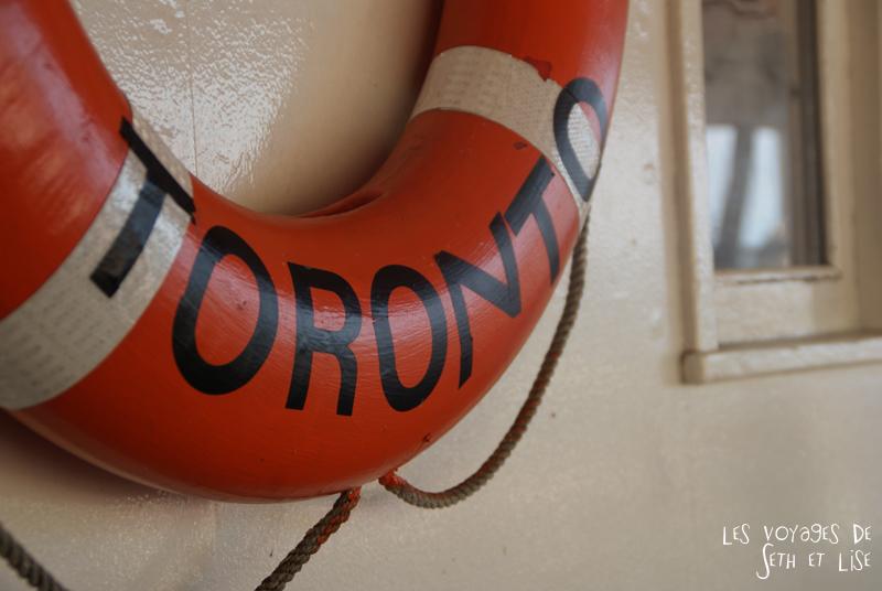 pvt canada toronto couple blog iles island ferry voyage tour du monde bouee sauvetage