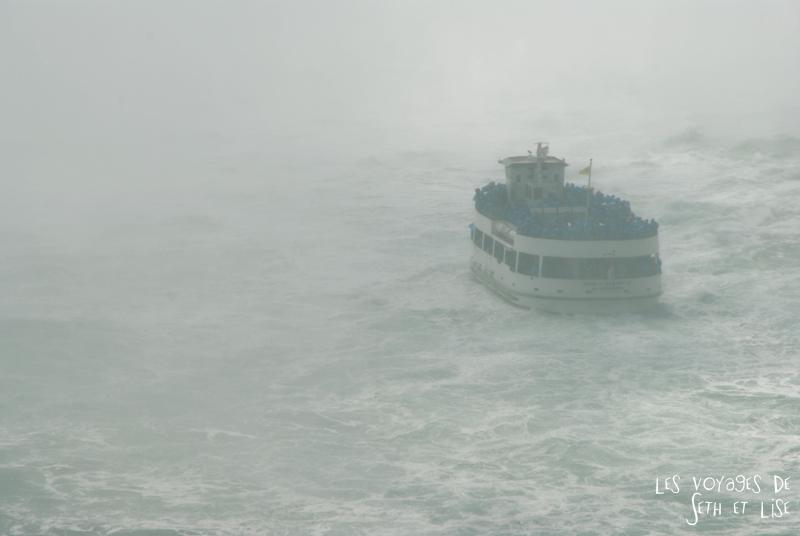 niagara falls chutes ontario canada pvt blog tourisme cascade nature couple bateau mermaid brouillard