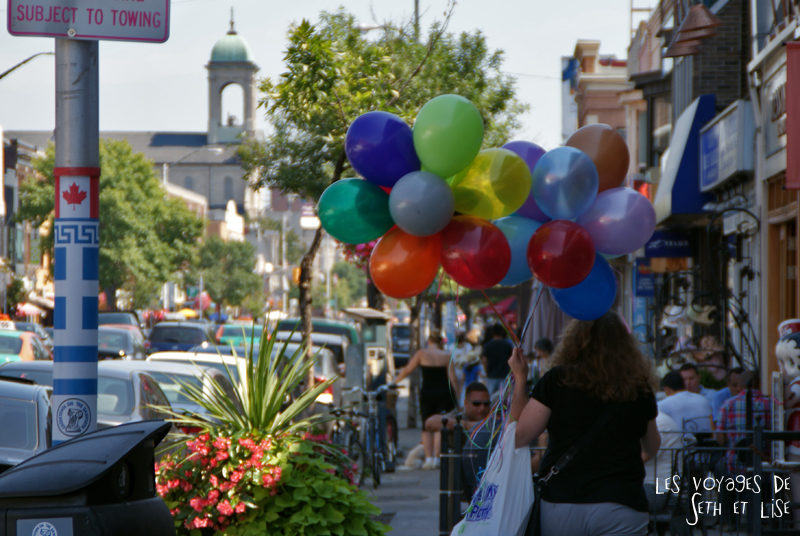 blog photo voyage pvt canada toronto ontario couple tour du monde travel photography baloon ballon greektown rue