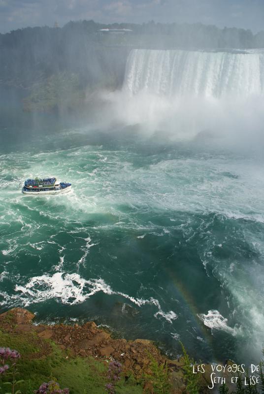 niagara falls chutes ontario canada pvt blog tourisme cascade nature couple bateau boat arc en ciel