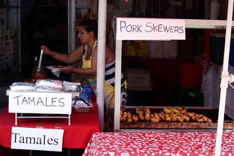 blog voyage canada pvt toronto kensington pedestrian market hippie chill pork skewers brochettes