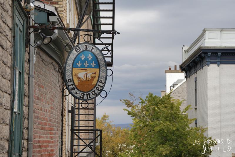 blog photographie canada pvt pvtiste voyage couple tour du monde quebec city ville enseigne restaurant
