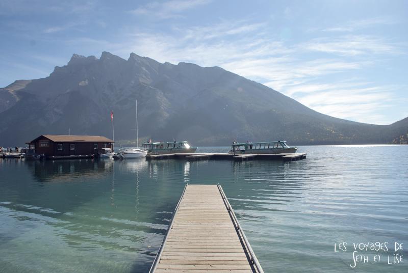 blog photogaphie pvt pvtiste canada alberta rocheuses montagne couple voyage tour du monde paysage nature pierre minnewanka lac lake