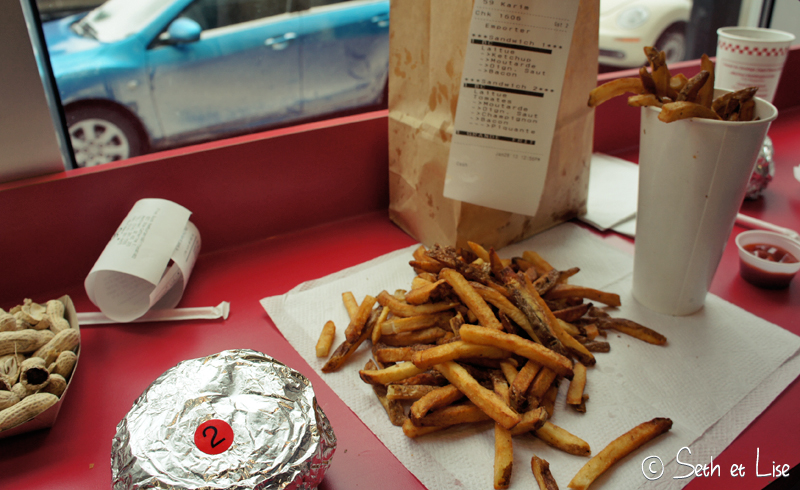 blog voyage canada pvt bd photo food burger five guys fastfood junkfood montreal funny