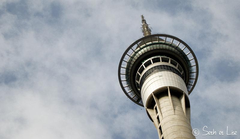blog whv nouvelle zelande pvt voyage photographie seth lise auckland nord ile skytower downtown