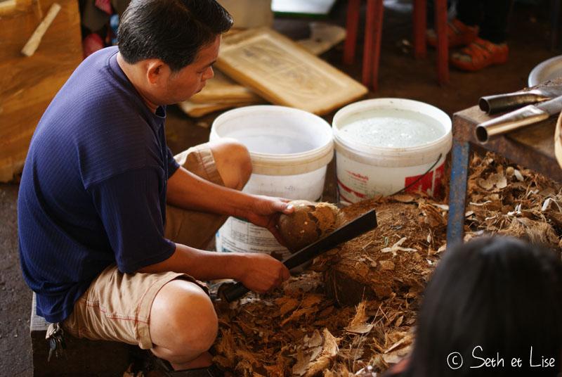 coconut-market-vientiane.jpg