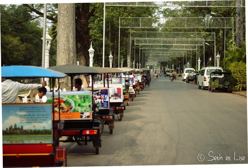 tuktukarmy.jpg