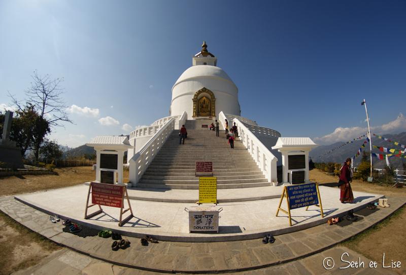 Trek vers la pagode de la paix de Pokhara