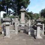 お墓や散骨、葬式などで節約? とりあえず調べてみました。