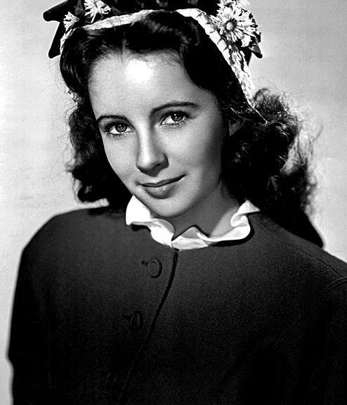 494px-Elizabeth_Taylor-1945