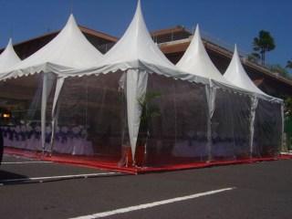 Tenda Kerucut Tutup Plastik