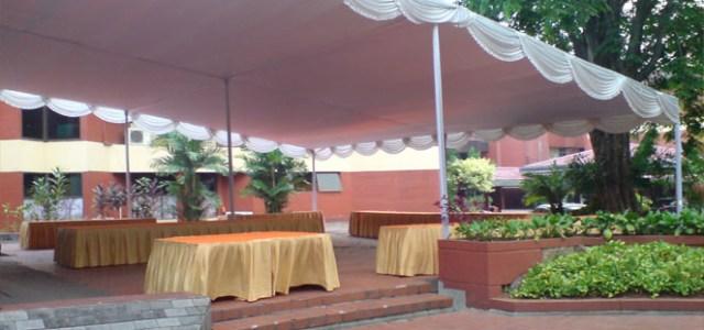 tenda plafon putih polos