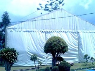 Tenda Roder Tertutup