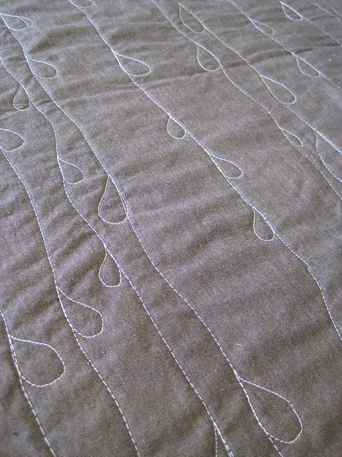 Sew Katie did/Sheets of Rain whole cloth quilt
