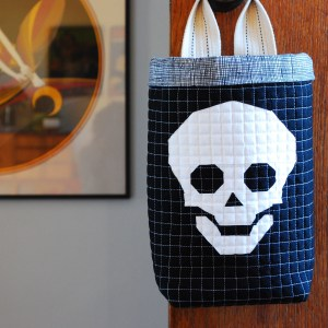 sew katie did | modern quilting workshops Seattle | hanging halloween candy bag