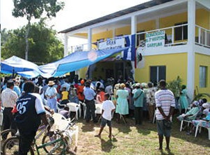 The Garifuna Hospital is a source of great pride by the African-Native Garifuna people in Honduras, who are fighting its takeover and threats to the life of its head doctor. In the year and a half since it opened, its 10 Garifuna doctors have treated over 175,000 cases.
